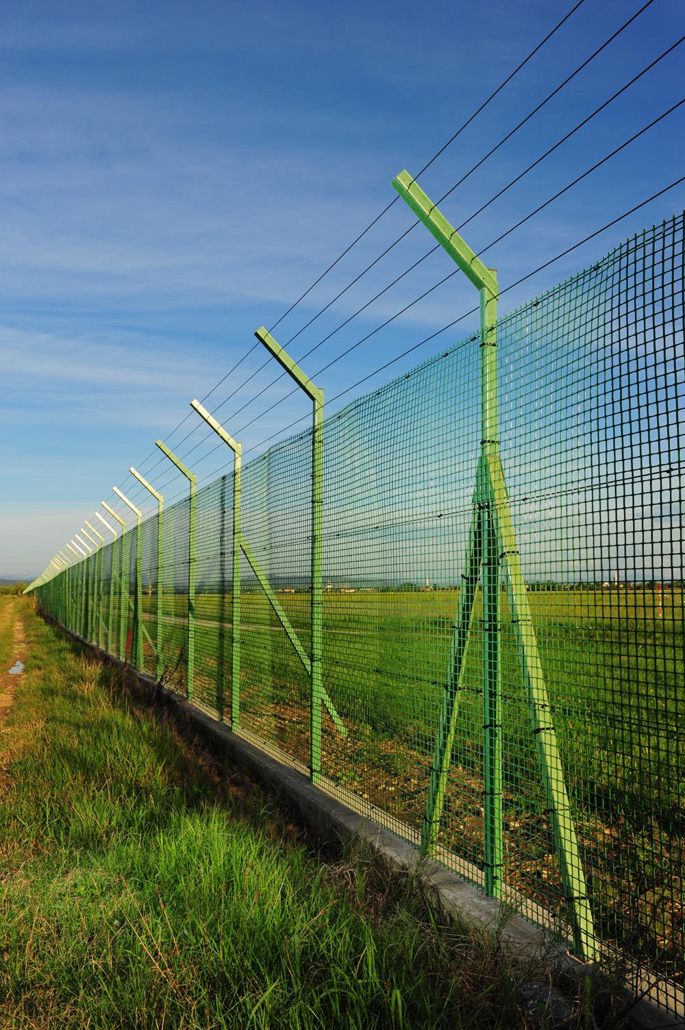 airport-fibre-fence-mesh-13